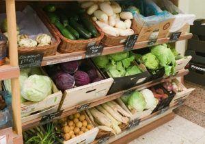 Restaurante Vegetariano Ecocentro, es un multiespacio que cuenta con un restaurante, tienda ecológica, sala de actividades, talleres y yoga. Dispone de Menú del Día y Carta, con Comida Vegetariana y Orgánica en Chamberí. También se pueden realizar las compras en su Tienda online.