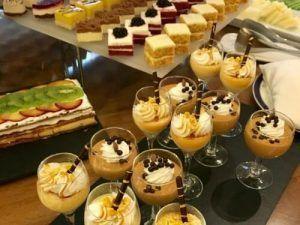 Brunch, Brunch en Madrid, healthy, americano, gourmet, huevos Benedict, salmón, zumos detox, licuados, tostadas, croissants, pan de masa madre