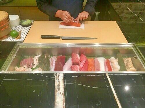 Restaurante Kappo, Cocina Kaiseki Madrid, Barra Tradicional Japonesa, Chamberí, Menú Degustación Omakase, Sushi de Calidad, Nigiri de Gamba, Calamar, Atún, Salmón,