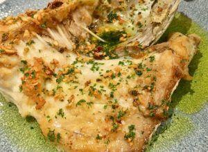 Restaurante Gallego, cocina gallega con producto excepcional. Pulpo, pescado, empanada, ternera, pimientos de Padrón, Albariño, Filloas y Tarta de Santiago.
