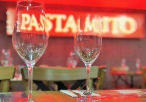 Restaurante italiano Pasta Mito, cocina tradicional de gran calidad con tienda en el establecimiento. Burrata, Melanzane, Pasta Rellena, Vinos Italianos.