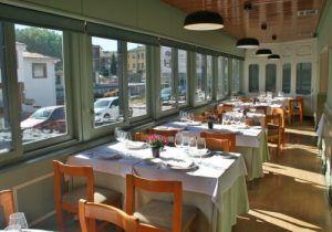 Casa Tere, restaurante de cocina tradicional española. Ideal para Grupos. Terraza de verano. Gran Producto: Croquetas, Merluza y Steak Tartare.