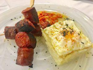 Huevos con Chorizo de Ciervo en la ruta de Aceite de Oliva Virgen Extra Picual