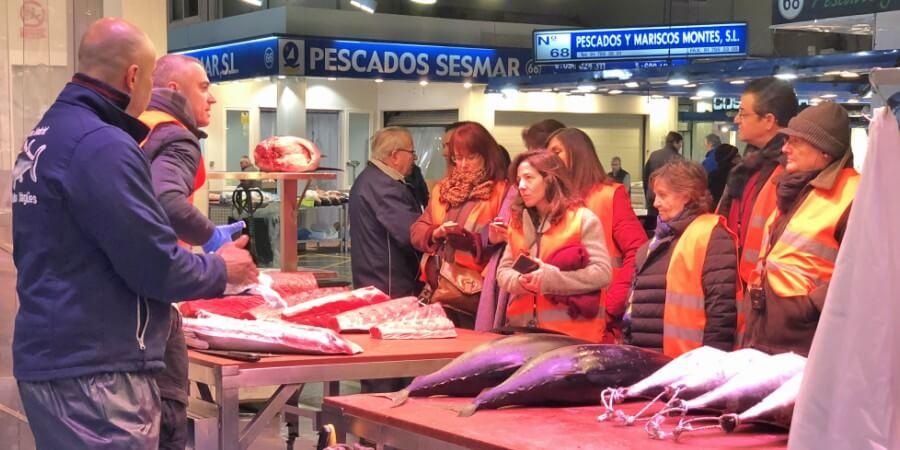 Visita Mercamadrid, la plataforma de distribución, comercialización, transformación y logística de fruta, verdura, carnes, pescados y alimentos frescos más grande de España. Situada en Madrid y abastece a toda España. La segunda lonja más grande del Mundo después de Tokio en Japón.