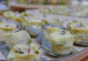 Chef&Chic Catering con el Chef Miguel García & Sonia Hijarrubio han sido los responsables de la Gastronomía en los premios 2018 del Club Español de Alta Gastronomía. Un menú a base de steak tartare, sushi, nigiri, guacamole y conservas, gracias a Caprichos del Paladar.