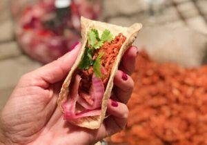 Taco-Cochinita-Pibil-Receta-Restaurante-Mezcal-Lab-Madrid-GastroBar-Punto MX