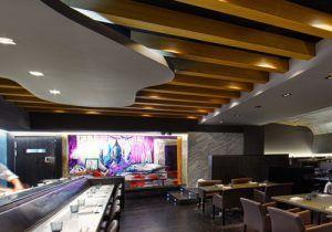 Ricardo Sanz es el Chef de Kabuki, un maestro en la Gastronomía Japonesa de España. Sus cortes de pescado de alta calidad, su técnica y sobre todo la fusión que aporta a sus platos, le han galardonado con una Estrella Michelin en cada uno de sus restaurantes. Delicioso sushi, sashimi, usuzukuri y tartar.