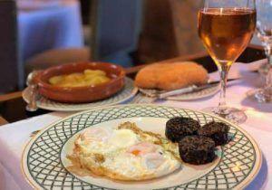 Restaurante Landa, HOtel REstaurante Landa, Huevos Fritos con Morcilla, Croquetas, Lechazo, Cordero Asado