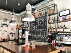 Restaurante-Jimbo-Smokehouse-Madrid-Barra-Grifos-Cerveza-Artesana