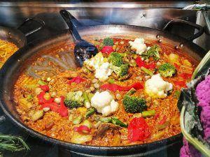 paella by rodrigo de la calle- mercado de san miguel madrid