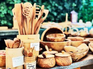 Lo-mejor-del-Lago-de-Como-gastronomía-Bellagio-Mercado-Madera