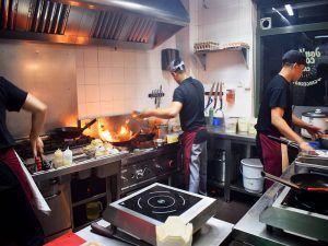 Ron-Zohar-Restaurante-Tailandés-Gingerboy-Madrid-Cocina