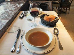 Cocido-Madrileño-Café-Comercial-Sopa