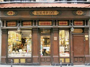 Cocido-Madrileño-Lhardy-Salón-Japonés