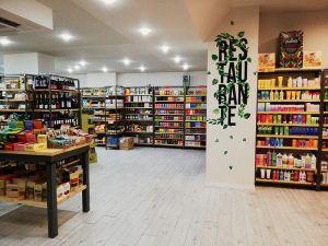 Mejores-Restaurantes-Saludables-Madrid-Planet-Organic-Tienda