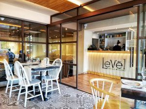 Mejores-Restaurantes-Saludables-Madrid-Levél-Veggie-Bistro-Interior
