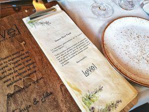 Mejores-Restaurantes-Saludables-Madrid-Levél-Veggie-Bistro-Mesa