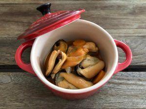 Receta-Mejillones-Escabeche-Recipiente-Le-Creuset
