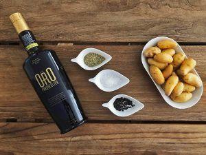 Cochinillo-al-Horno-Tabladillo-Ingredientes-AOVE-Patatas-Sal-Pimienta-Romero