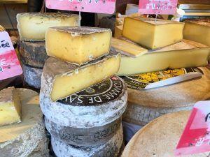 Gastronomía-Perpignan-Carcassonne-Narbonne-Mercado-Quesos