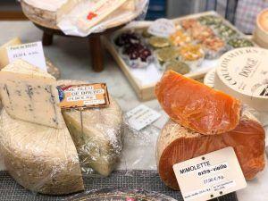 Gastronomía-Perpignan-Narbonne-Carcassonne-Narbonne-Mercado-Pincipal-Queso