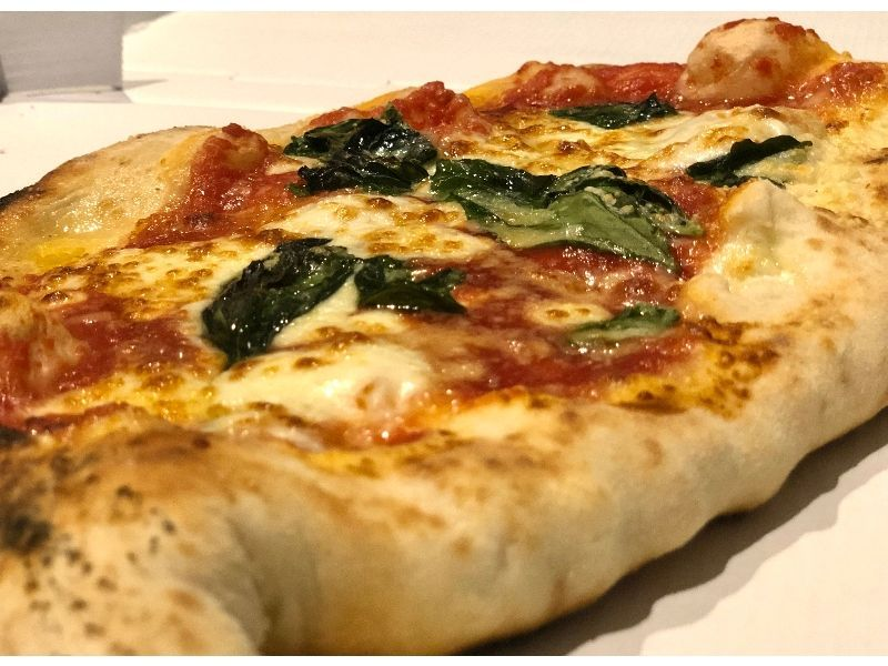 la mejor pizza de Madrid amadeo napoli