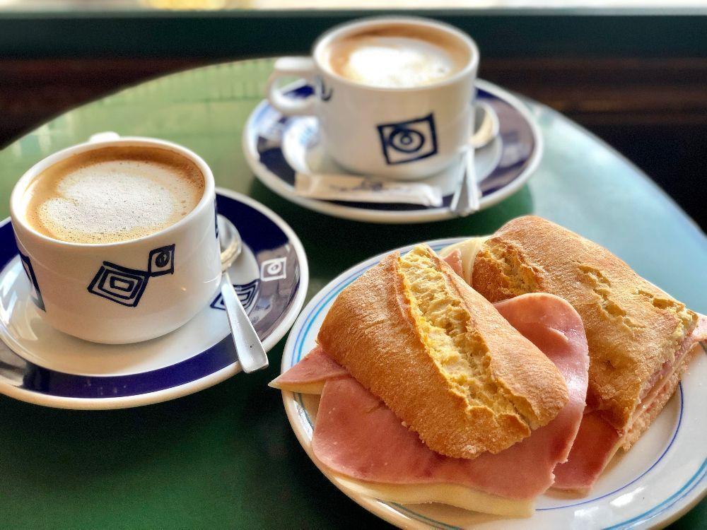 desayuno cafetería el derby CAMINO DE SANTIAGO COSTA DA MORTE