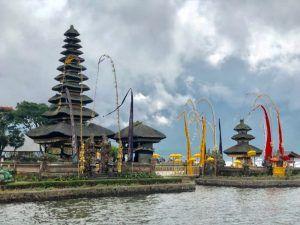 VIAJAR BALI INDONESIA PURA ULUN DANU BRATAN