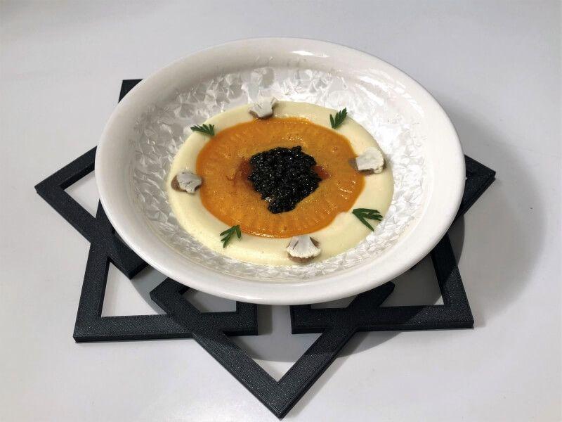 Noor huevo de gallina macerado en el tiempo, coliflor y caviar