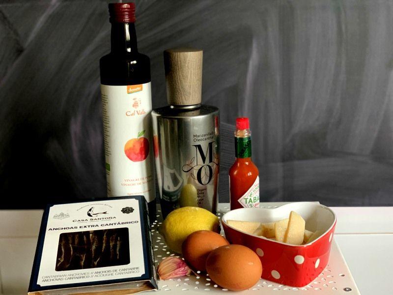 Ingredientes para salsa césar casera