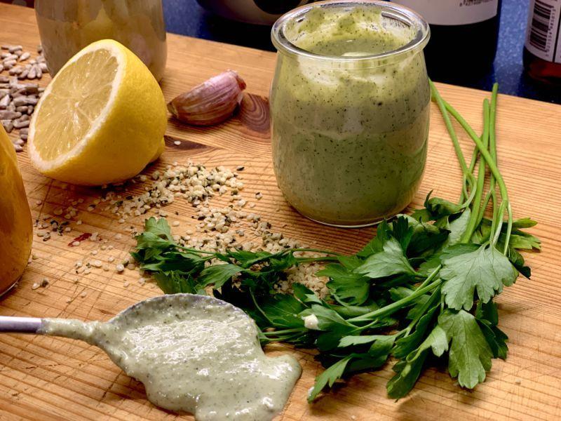 Aliño para ensalada con semillas de cáñamo