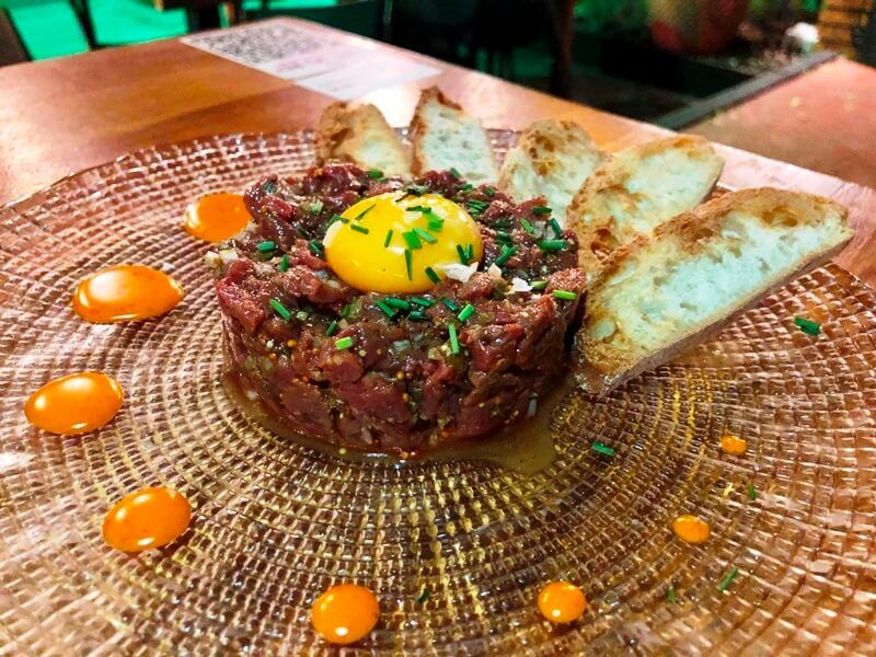 CAFÉ DEL REY BEACH CLUB MADRID steak tartar