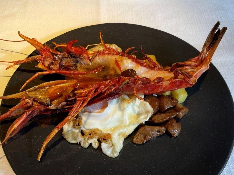 LA FONDA LIRONDA huevos fritos carabinero boletus