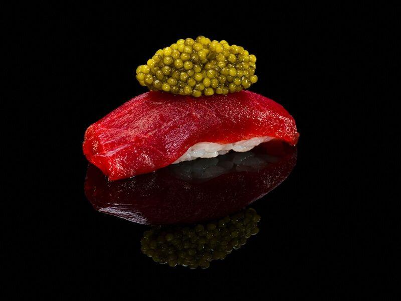 YUGO Nigiri Toro Caviar - RESTAURANTES CON ESTRELLA MICHELIN A DOMICILIO EN MADRID