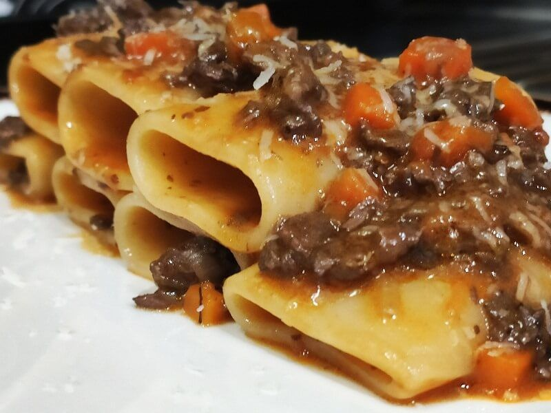 BACARO DE FABIO GASPARINI paccheri al ragu - comida italiana a domicilio en madrid